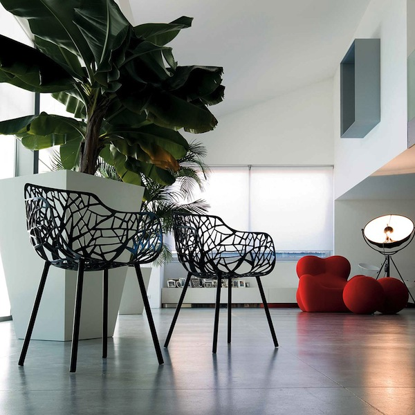 janus-et-cie-miami-Forest-Chair-Black